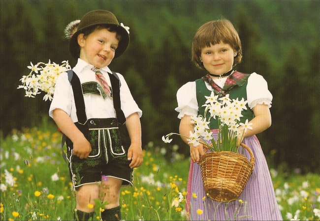 German children in traditional costume